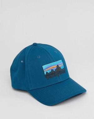 Patagonia Синяя бейсболка с логотипом. Цвет: синий