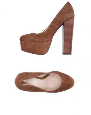 Туфли JESSICA SIMPSON. Цвет: верблюжий