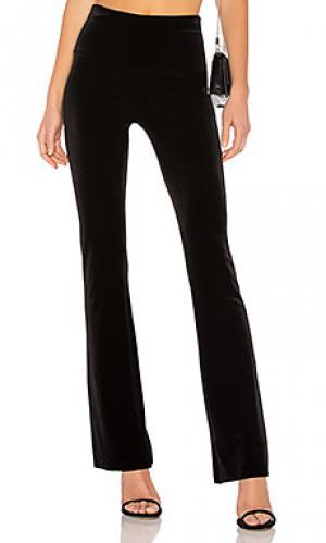 Расклешенные брюки Norma Kamali. Цвет: черный