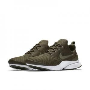 Мужские кроссовки  Presto Fly Nike. Цвет: оливковый