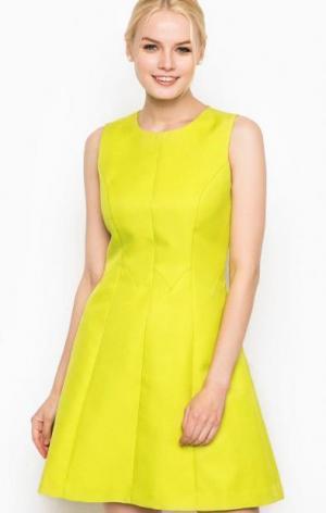 Приталенное салатовое платье Darling. Цвет: зеленый