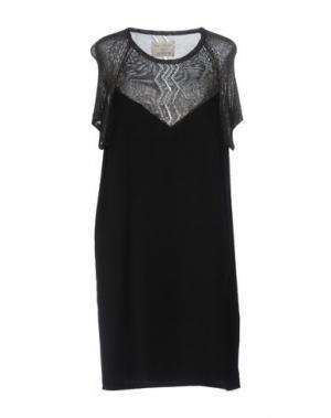 Короткое платье FINE COLLECTION. Цвет: черный