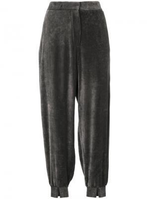 Бархатные строгие брюки Stella McCartney. Цвет: коричневый