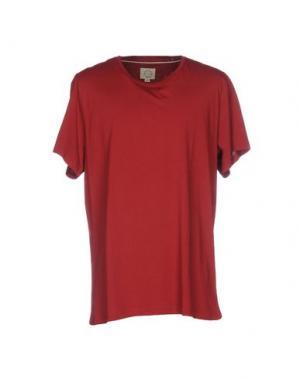Футболка SUIT. Цвет: красный