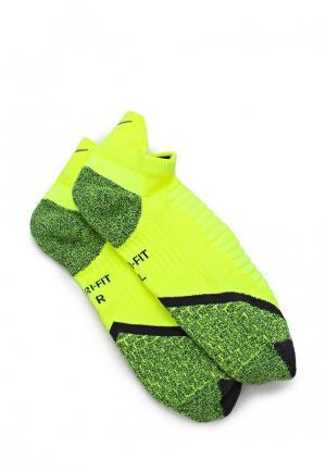 Носки Nike. Цвет: зеленый