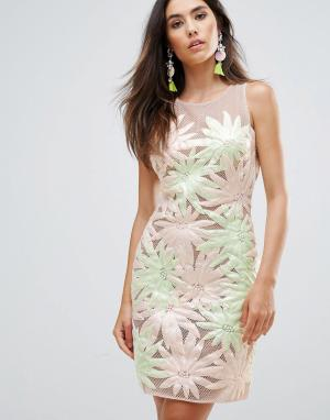 Forever Unique Платье без рукавов с цветочной аппликацией. Цвет: мульти
