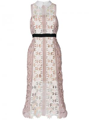 Кружевное платье с контрастным поясом Self-Portrait. Цвет: многоцветный