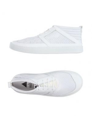 Полусапоги и высокие ботинки VOLTA. Цвет: белый