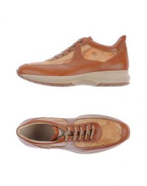 Низкие кеды и кроссовки ALVIERO MARTINI 1A CLASSE. Цвет: коричневый