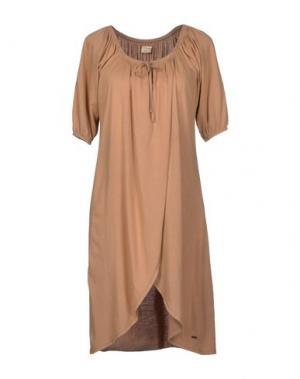 Короткое платье CHARAPA. Цвет: верблюжий