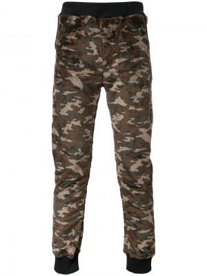 Спортивные брюки с камуфляжным принтом Guild Prime. Цвет: коричневый