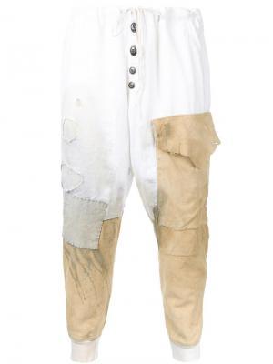 Рваные спортивные штаны с заплатками Greg Lauren. Цвет: белый