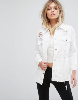 River Island Джинсовая куртка с отделкой искусственным жемчугом. Цвет: белый