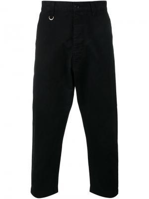 Укороченные зауженные брюки Sophnet.. Цвет: чёрный