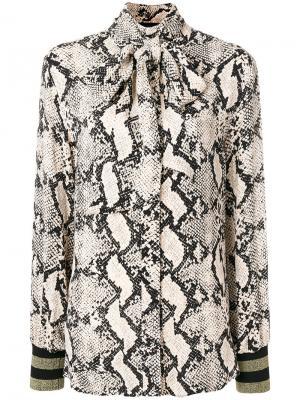 Блузка со змеиным принтом и бантом By Malene Birger. Цвет: коричневый