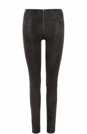 Замшевые брюки-скинни Alice + Olivia. Цвет: серый