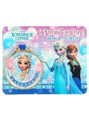 Медаль на открытке Disney. Цвет: синий, бежевый, лазурный, молочный, светло-голубой, темно-бежевый