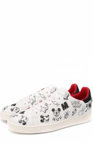 Кожаные кеды на шнуровке с принтом MOA. Цвет: белый