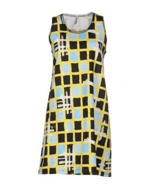 Короткое платье AIMO RICHLY. Цвет: желтый