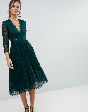 ASOS Кружевное платье миди для выпускного с длинными рукавами. Цвет: зеленый