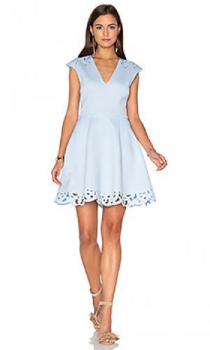 Приталенное и клешное платье laser sharp Lumier. Цвет: синий