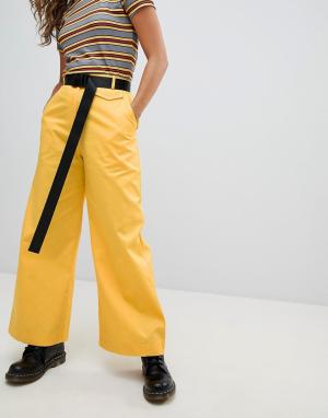 The Ragged Priest Широкие брюки с ремнем. Цвет: желтый