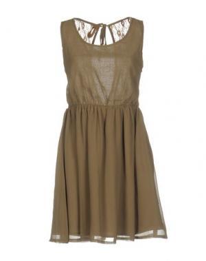 Короткое платье DUCK FARM. Цвет: зеленый-милитари