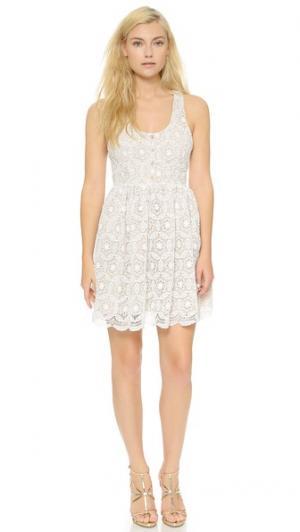 Платье Vice Rae Francis. Цвет: кремовая вязка крючком