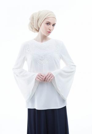 Блуза Bella Kareema. Цвет: белый