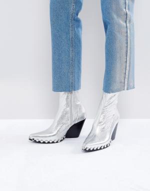 Jeffrey Campbell Серебристые ковбойские ботинки с заклепками. Цвет: серебряный