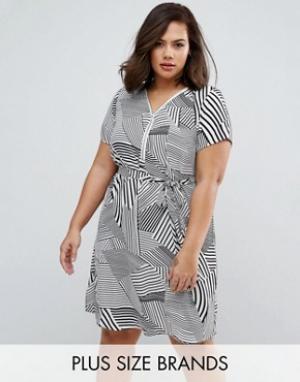 Koko Платье в полоску с молнией спереди Plus. Цвет: кремовый