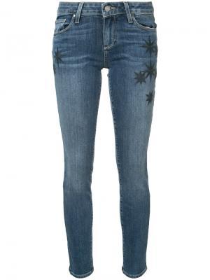 Джинсы Skyline Ankle с вышивкой Paige. Цвет: синий