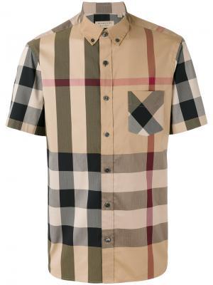 Рубашка в клетку с короткими рукавами Burberry. Цвет: телесный