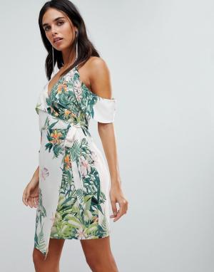 Adelyn Rae Платье с запахом и принтом Prescilla. Цвет: мульти