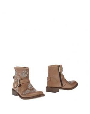 Полусапоги и высокие ботинки GIANCARLO PAOLI. Цвет: светло-коричневый