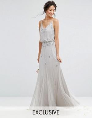 Amelia Rose Платье макси с сетчатыми вставками на юбке и отделкой. Цвет: серый