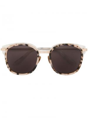 Солнцезащитные очки Erika Maska. Цвет: коричневый