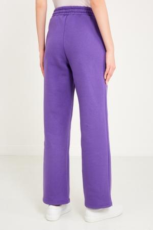 Фиолетовые брюки с логотипом Sorry, i'm Not. Цвет: фиолетовый