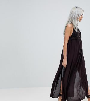 ASOS Petite Пляжное платье макси с ажурной вставкой Premium. Цвет: черный