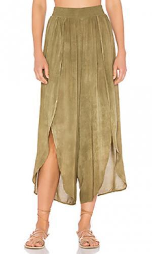 Юбка-брюки с запахом jeanne Blue Life. Цвет: зеленый