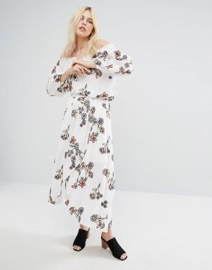 J.O.A Комбинируемая юбка миди с запахом и цветочной вышивкой. Цвет: белый