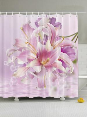 Фотоштора для ванной Цветы лилии, чёрный мотоцикл, старый сарай, зелёное дерево, 180x200 см Magic Lady. Цвет: сиреневый, фиолетовый, молочный