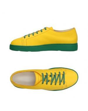 Низкие кеды и кроссовки SANTONI. Цвет: желтый