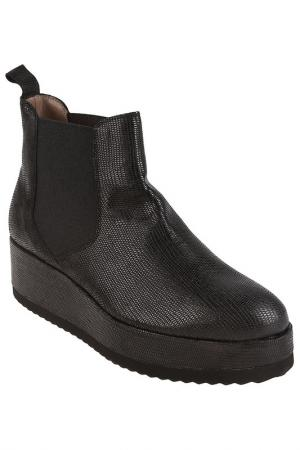 Ботинки Pertini. Цвет: черный
