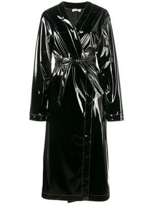 Лакированное пальто с поясом Attico. Цвет: чёрный