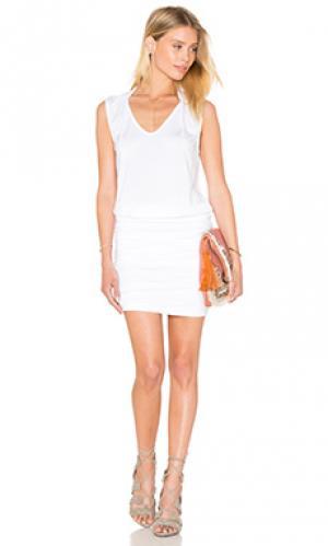 Платье karris Velvet by Graham & Spencer. Цвет: белый
