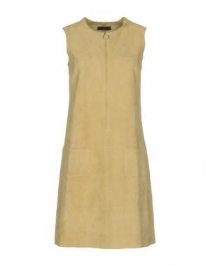 Короткое платье STOULS. Цвет: бежевый