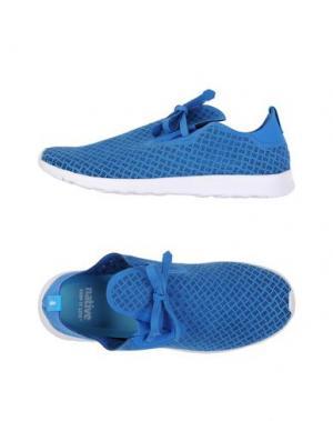 Низкие кеды и кроссовки NATIVE. Цвет: синий