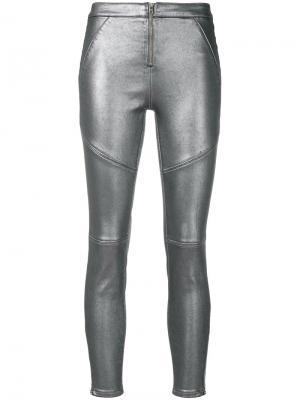 Брюки с покрытием Ck Jeans. Цвет: металлический