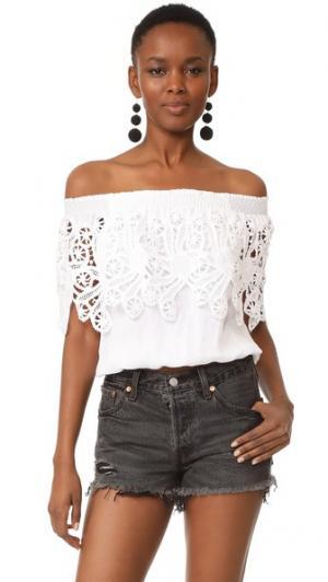 Блуза с оборками и открытыми плечами Temptation Positano. Цвет: белый